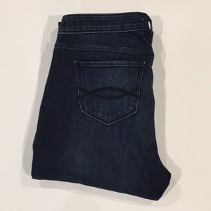 NWOT ABERCROMBIE & FITCH STRAIGHT LEG JEANS